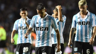 Racing perdió el invicto en Tucumán, pero sigue puntero
