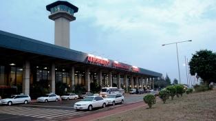 Volvió a operar el aeropuerto internacional de Puerto Iguazú
