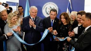 El Gobierno inauguró su embajada en Jerusalén, siguiendo los pasos de EEUU