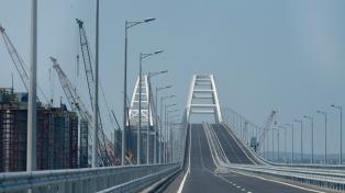 La OTAN condena la inauguración del puente que une la penísula de Crimea