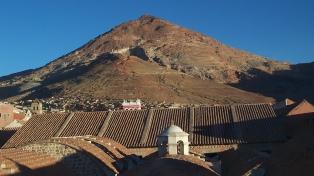 Desalojan a mineros en el Cerro Rico de Potosí