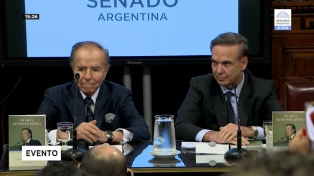 Menem presentó sus memorias y propuso a Pichetto como presidente