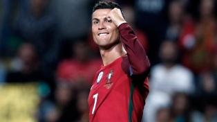 Cristiano Ronaldo se lesionó y Portugal no pudo con Serbia