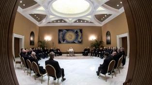 Los obispos chilenos acusados de abuso pusieron sus renuncias a disposición del Papa