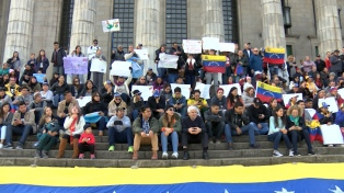 Cientos de venezolanos protestaron en el exterior contra las elecciones
