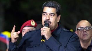 Maduro reclamó lealtad a las FF.AA. y acusó a Colombia de querer dividirlas