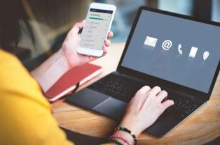 El chat desplaza al 0-800 y se impone como medio de atención al cliente