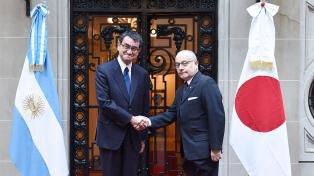 El canciller japonés ratificó el apoyo a las reformas estructurales