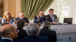 Amadeo presentó la Ley de Mercado de Capitales ante empresarios e inversores en Londres
