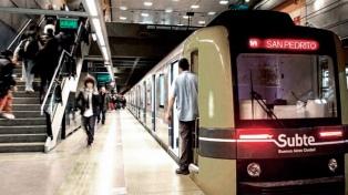 Distribuyen entre Defensoría y a una ONG las multas a Metrovías
