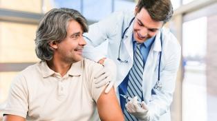 Vacunaron al 70 por ciento de la población con riesgo de enfermedades respiratorias