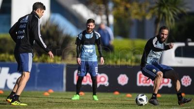 Messi y la Argentina realizan una práctica abierta en Huracán