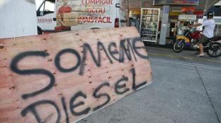 Sigue la huelga de camioneros, hay desabastecimiento y en Brasilia el aeropuerto se quedó sin combustible