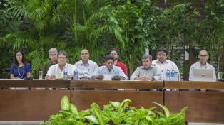El gobierno y el ELN suspenden diálogos en Cuba hasta después de las elecciones