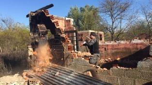 Destruyeron tres bunkers y detuvieron a 13 personas en La Plata y Laferrere