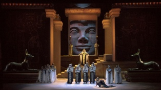 """El Teatro Colón repone """"Aída"""" para celebrar su 110mo. aniversario"""
