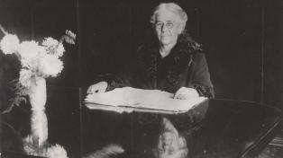 """Rosario Vera Peñaloza, la """"maestra de la patria"""""""