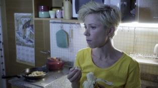 """""""Recetas para microondas"""", una comedia sobre una mujer extraña en situaciones extrañas"""