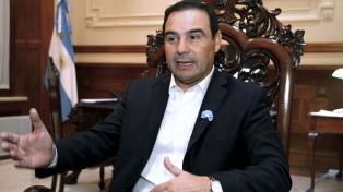 El gobernador Valdés anunció $500 millones del BID para obras de infraestructura