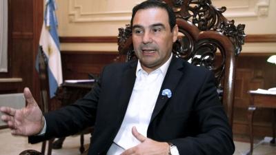 Valdés pide la intervención de Cancillería por incidente en la isla Apipé