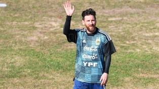 Messi y la Selección realizaron una práctica abierta ante 40 mil chicos