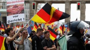 Berlín dividida: marcha de la ultraderecha y contramarcha antixenófoba copan la ciudad