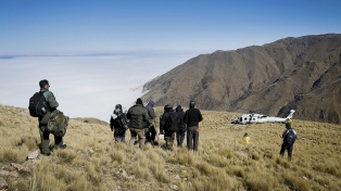 """Macri resaltó """"el profesionalismo"""" de los rescatistas y de los pilotos del helicóptero"""