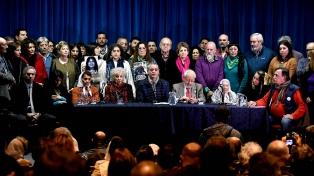 Diputados opositores y organismos de derechos humanos rechazan otorgar nuevo rol a las FF.AA.