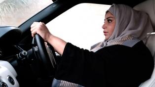 Las mujeres saudíes pueden por fin conducir vehículos