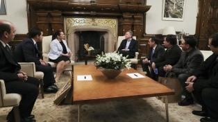 Macri recibió a docentes premiados por su labor en 2016 y 2017