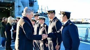 Aguad confirmó el bono para las Fuerzas Armadas y un aumento salarial