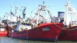 Familiares de los tripulantes del pesquero comparten el sobrevuelo de búsqueda