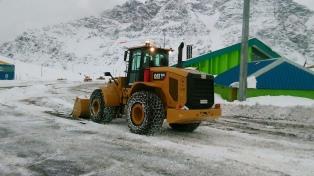 Un temporal de nieve obligó a cerrar el Paso los Libertadores