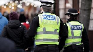 La policía británica contratará a recién graduados como detectives