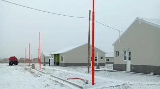 Vuelos desviados, cancelados y demorados por la intensa nevada en Bariloche