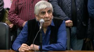 """Hugo Moyano dijo que los funcionarios """"no saben conducir el país"""""""