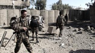 Más de 40 muertos por ataques talibanes contra fuerzas militares