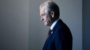 El asesor de Trump que insultó a Trudeau pide disculpas