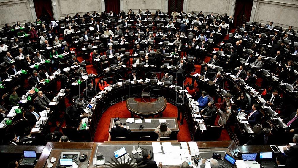 Argentina continúa debatiendo legalización del aborto entre gran división política y social