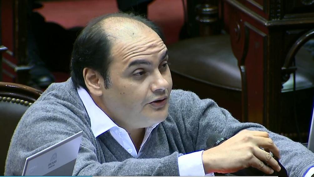 Gustavo Saadi, uno de los indecisos, anticipó que no acompañará el proyecto.