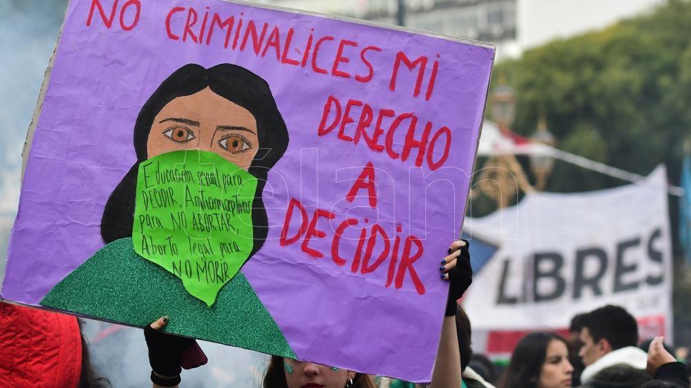 """""""Libertad"""" y """"Derechos"""" dos de las palabras que se repiten en los carteles en favor de la legalización."""