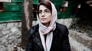 Nasrin Sotudeh, defensora de los derechos humanos, fue detenida y encarcelada