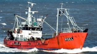 A cinco meses del naufragio del Rigel, marchan para pedir la inspección del casco hundido