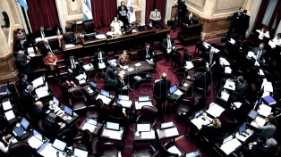 Los jefes de Cambiemos y del PJ acordaron apurar el proyecto en el Senado