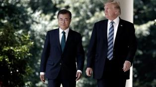 Seúl y Washington discuten la suspensión de maniobras tras la cumbre Trump-Kim
