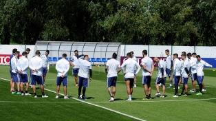 Un encuentro entre jugadores, cuerpo técnico y Tapia solamente pensando en Nigeria