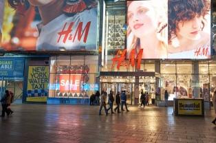 H&M niega que la compra de acciones tenga que ver con las pérdidas