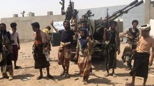 Rebeldes de Yemen alineados con Irán atacan un oleoducto