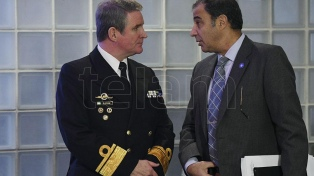 Nuevos testimonios de apoyo en el Congreso al comandante del submarino