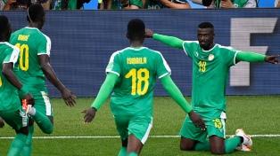 Polonia despertó tarde en el partido y Senegal aprovechó